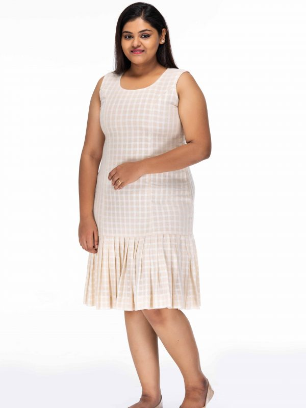 DELIGHTFUL CREAM CHECKED PLUS SIZE SHIFT DRESS