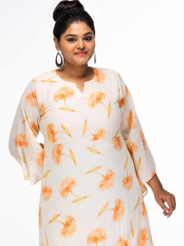 MEADERING MEADOWS WHITE FLORAL PLUS SIZE MAXI DRESS